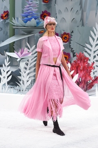 chanel-spring-summer-2015-haute-couture-look-12