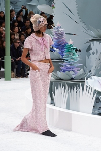 chanel-spring-summer-2015-haute-couture-look-18