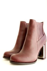144. Shoes -BORDO