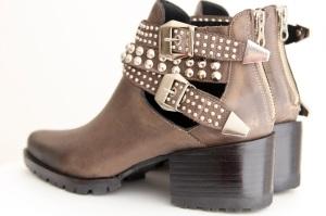 144. Shoes -MARRONES CON TACHAS