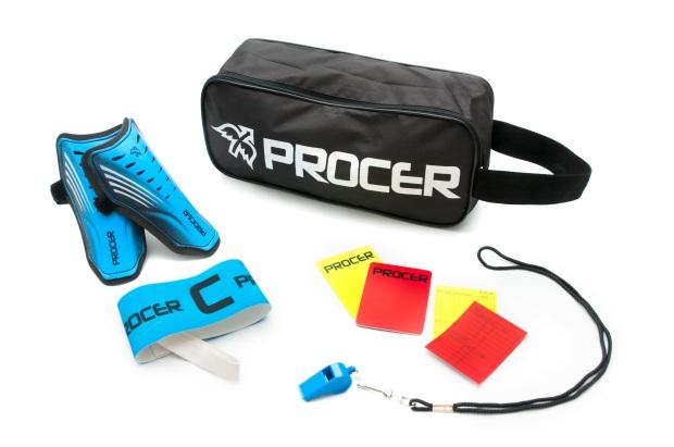 Procer- Kit de fútbol- Bolso botinero $220 +  Cinta capitán $50 + Tarjeta de árbitro $55 + Silbato $30 +Canilleras $135