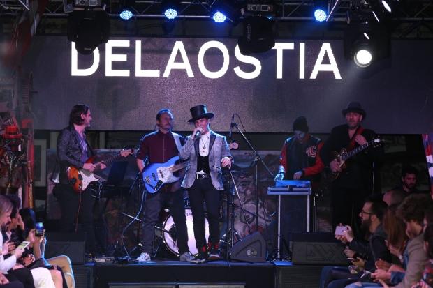 maxi-trusso-cantando-en-vivo-en-la-presentacion-delaostia-pv17-27